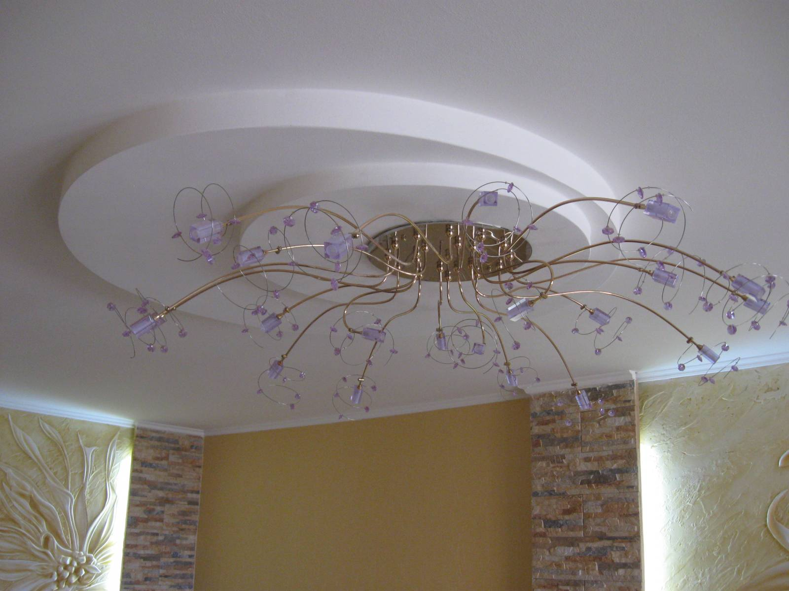 Фото дизайн потолка зала